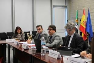 La segunda fase del Hospital Universitario de Cáceres y el nuevo de Don Benito-Villanueva de la Serena se licitarán en 2020