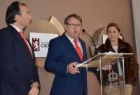 El consejero de Fomento, Víctor del Moral, presenta la nueva Oficina de Turismo de Cáceres
