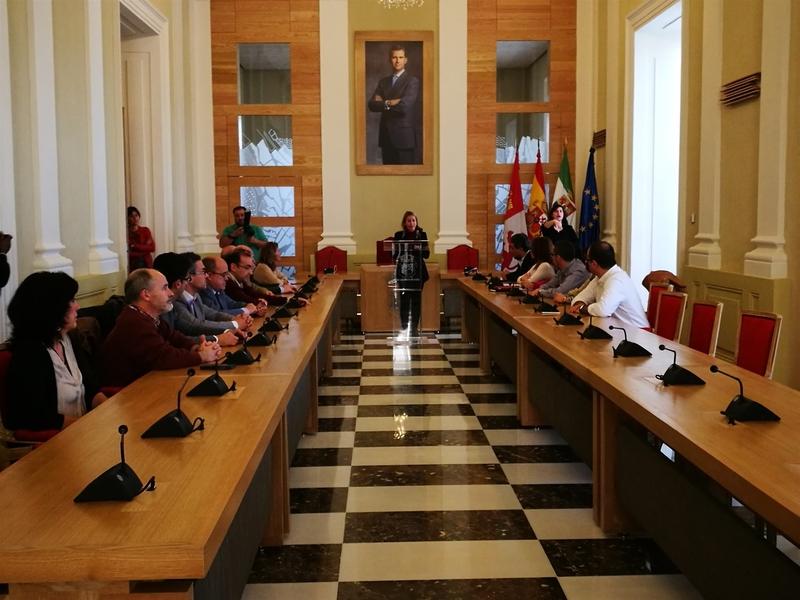 El Ayuntamiento de Cáceres conmemora el XXXVIII aniversario de la Constitución Española