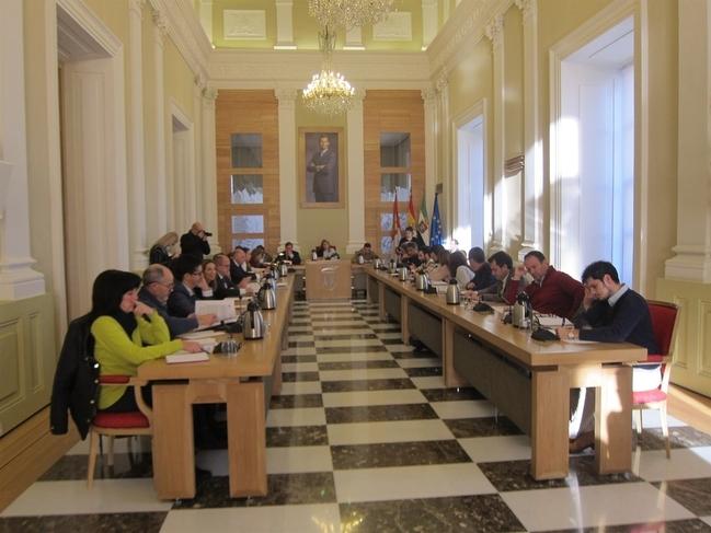 La oposición pide que el Ayuntamiento de Cáceres refuerce el servicio de Inspección para controlar a las concesionarias