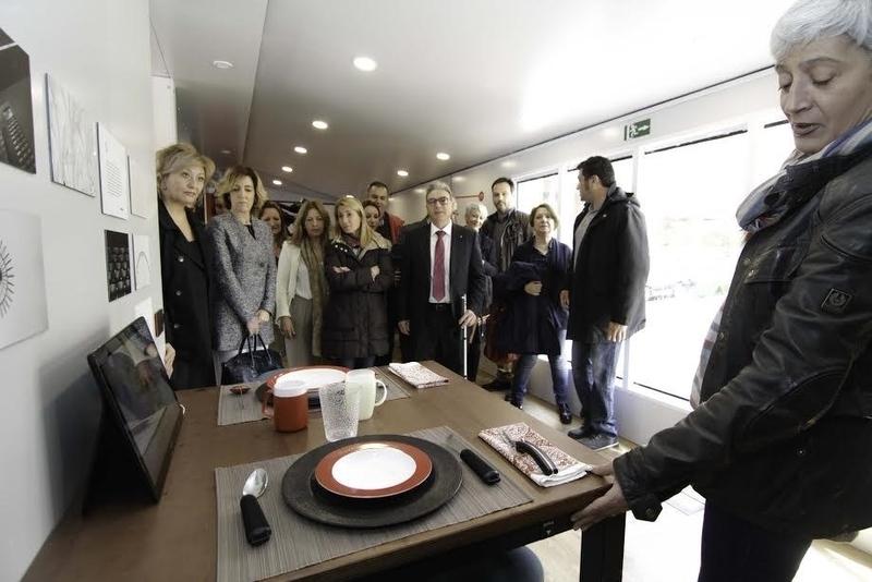 La ONCE muestra en Cáceres una casa inteligente que dispone de un centenar de soluciones tecnológicas