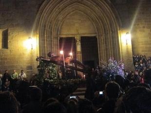 El Cristo de la Buena Muerte, el del Humilladero y el Cristo Negro procesionan en Cáceres este Miércoles Santo