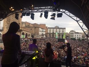 Más de 150.000 personas participan en los cuatro días de Womad Cáceres en una edición calificada como ''histórica''