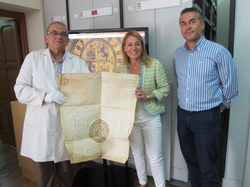 El Archivo Histórico de Cáceres digitaliza sus fondos y los muestra en Internet para lograr un acceso universal