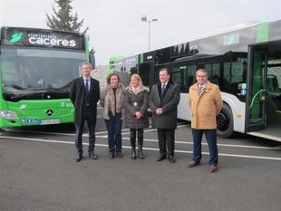 El servicio de autobuses urbanos de Cáceres refuerza su flota con dos vehículos más para las nuevas líneas