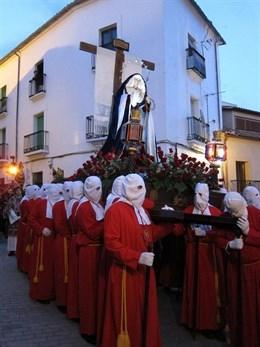 La Virgen del Buen Fin y Nazaret protagoniza la jornada procesional del Sábado Santo en Cáceres