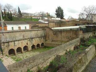 La empresa Talher seguirá manteniendo los parques y jardines de Cáceres por 3,2 millones de euros al año