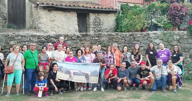La Asociación de Personas Sordas de Cáceres celebra el reconocimiento a la Comunidad sorda y sordociega