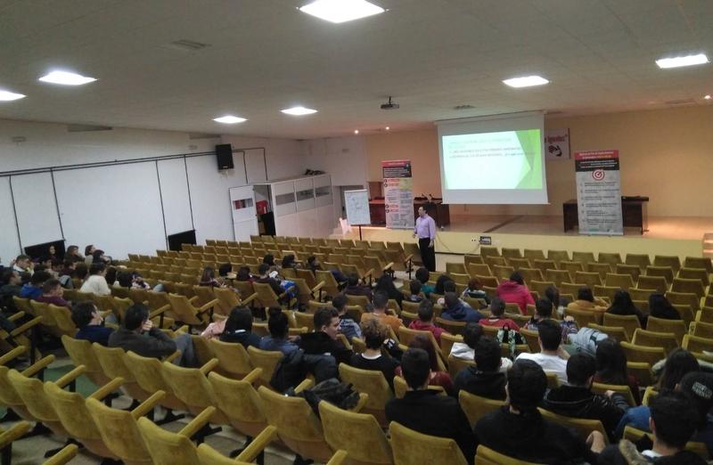 CEAT de Badajoz realizó un taller de motivación hacia el autoempleo en la Universidad Laboral de Cáceres