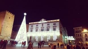 La alcaldesa de Cáceres, Elena Nevado, presenta el programa de Navidad