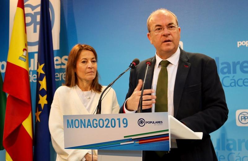 Monago: 'si sigue Vara, no te pongas malo porque tienes un problema'