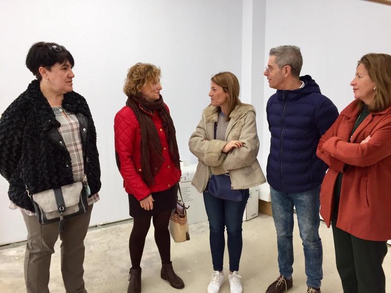 LA ALCALDESA VISITA LAS OBRAS DEL LOCAL DE LA TORRE EN EL QUE SE INSTALARÁ LA AOEX DE CÁCERES