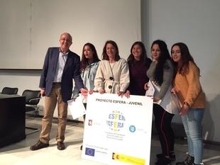 La Alcaldesa de Cáceres clausura el 'Proyecto Esfera 2019' con la entrega de diplomas