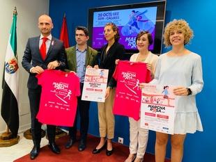 Cáceres se entrena para la II Carrera de la Mujer por la igualdad y la II Marcha Rosa