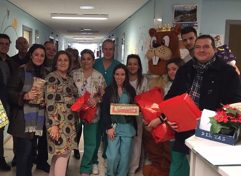 Rotary reparte ilusión en el Hospital San Pedro de Alcántara de Cáceres