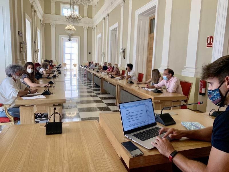 El Ayuntamiento de Cáceres ha resuelto más de 900 solicitudes para ayudas directas a pymes y autónomos y más del 65% han sido ya pagadas