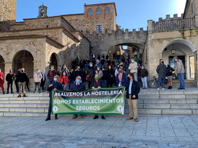 Los hosteleros denuncian que las restricciones han provocado el cierre de 500 establecimientos que ya no volverán a abrir en Extremadura