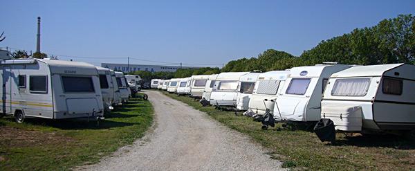 'Cáceres Viva' pide la creación de un área de estacionamiento regulado para autocaravanas