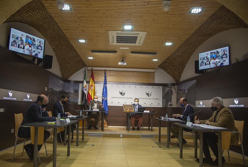 El Pleno de la Diputación aprueba un plan para reparar las depuradoras y colectores de once municipios con 422.600 euros