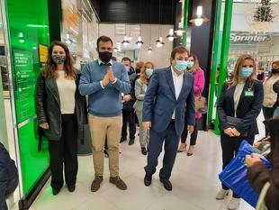 El presidente de la Junta y el alcalde inauguran el nuevo Mercadona del Centro Comercial Ruta de la Plata, que ha tenido una inversión de 1,9 millones