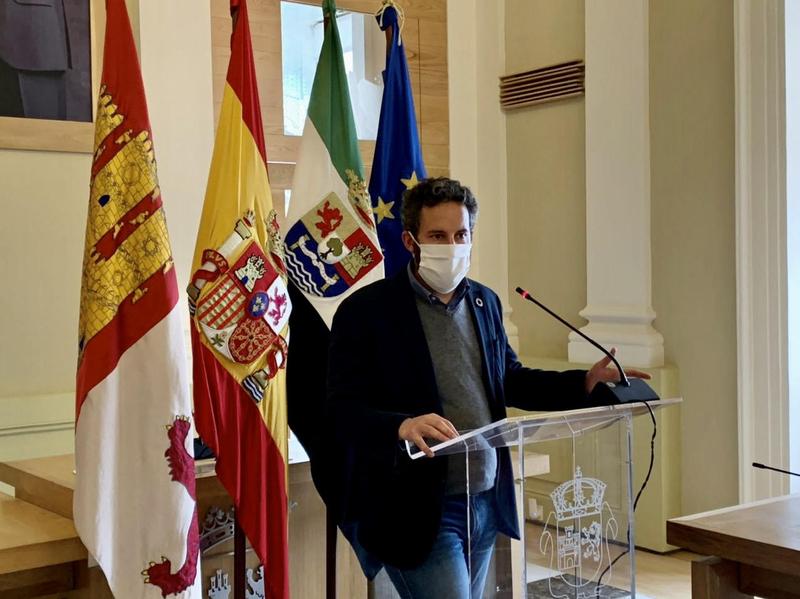 El gobierno municipal de Cáceres negociará los presupuestos de la ciudad con los grupos de la oposición