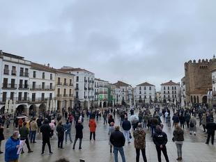 Alrededor de 300 hosteleros de la ciudad de Cáceres claman ayudas al sector y exigen poder trabajar