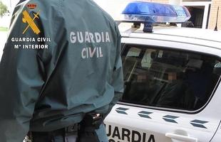 Detienen a un vecino de Coria por hacerse pasar por Guardia Civil y cobrar multas de 100 euros a quienes no llevaban mascarilla o la tenían mal puesta
