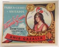 El Archivo Histórico Provincial de Cáceres muestra envases de productos navideños dentro de su actividad