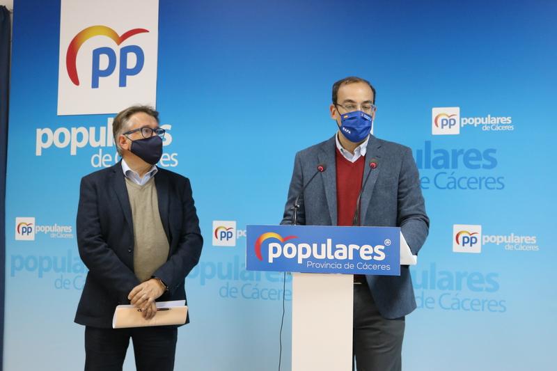 El PP denuncia la falta de inversiones en materia de transportes para Cáceres por parte de la Junta, a la que sigue acusando de discriminarla