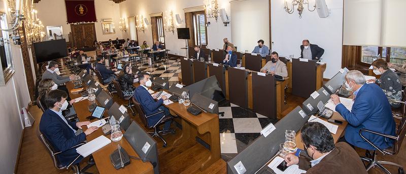 La Diputación de Cáceres aprueba una partida de 6 millones de euros para impulsar las contrataciones en los municipios