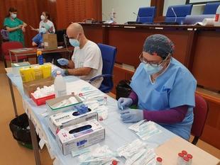 El SES y el Ayuntamiento de Cáceres ponen su mirada en el Palacio de Congresos para una campaña de vacunación masiva en la ciudad