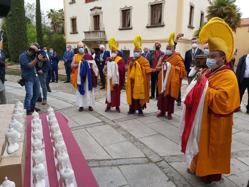 Cáceres y Lumbini, ciudad donde nació Buda, ya son hermanas y comparten tierras sagradas