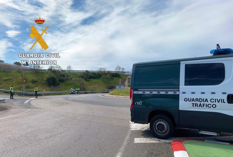 La Guardia Civil investiga a una conductora por dos delitos contra la Seguridad Vial y otro de lesiones graves