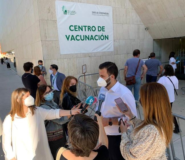 El alcalde destaca los buenos datos del Covid en Cáceres, que ya sólo tiene una incidencia acumulada de 12 casos a los 7 días