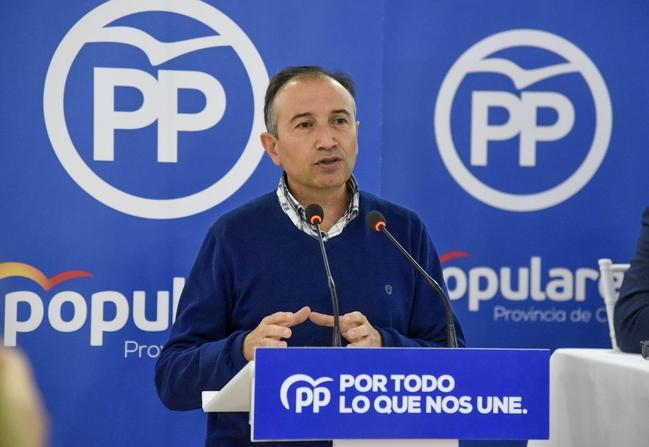 Laureano León se presenta a la reelección, en un quinto mandato, para dirigir a los populares de la provincia de Caceres