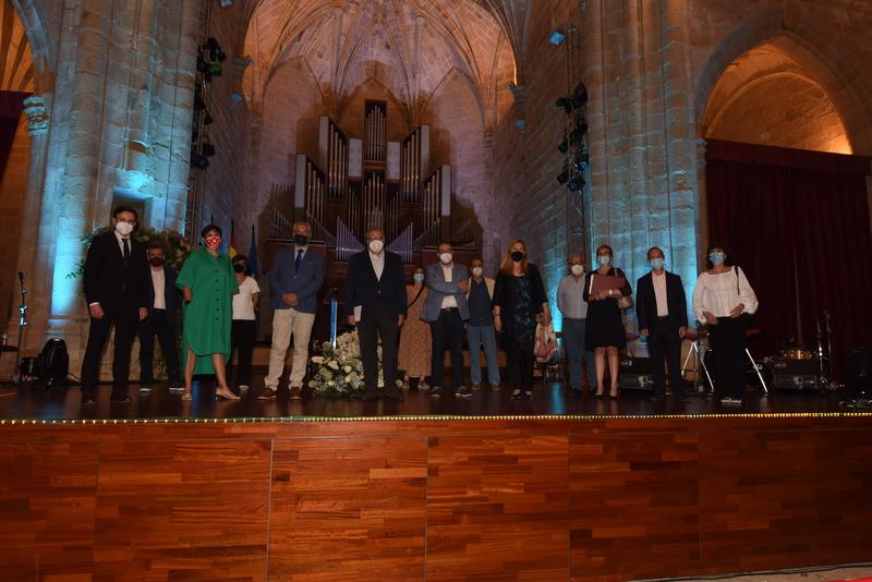 La madrileña Marta Martos Molina se hace con el XLVI Premio Cáceres de Novela Corta con la obra 'El Pueblo