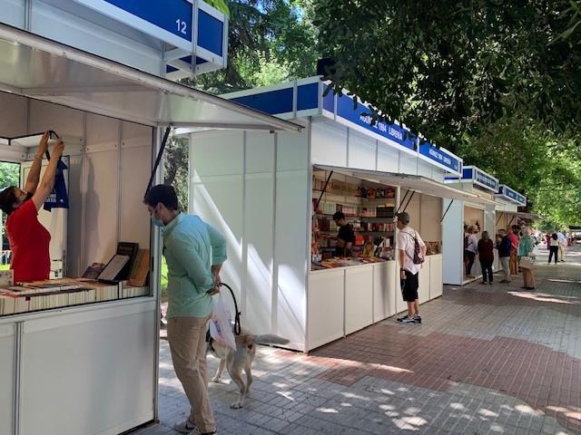 La XXI Feria del Libro logra igualar las ventas de otros años y completa aforo en todas las presentaciones de obras