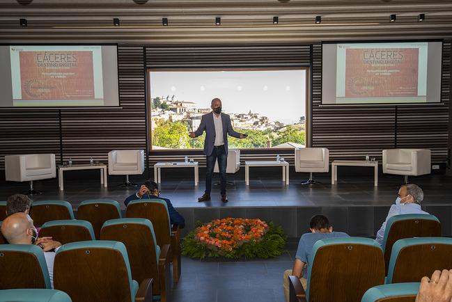 Santos Jorna: 'Cáceres Destino Digital' señalará a la provincia como referencia en el mundo para teletrabajar