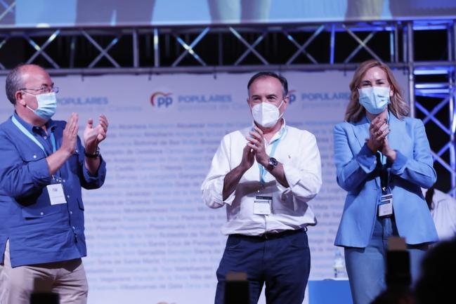 León, reelegido presidente provincial del PP de Cáceres con un 97 % de los apoyos, afirma que el PP es el único partido capaz de dar soluciones