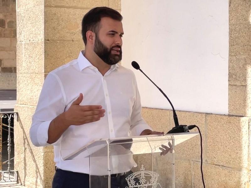 """La remodelación integral de la Plaza de Santiago se hará con los 600.000 euros que la Diputación da a Cáceres dentro del programa """"Pueblos con Futuro"""""""