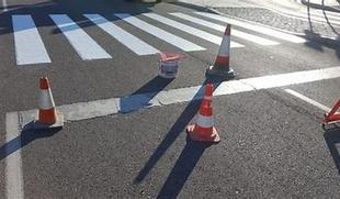 Se inicia la campaña de repintado nocturno de marcas viales y pasos de peatones, con un presupuesto de 40.000 euros