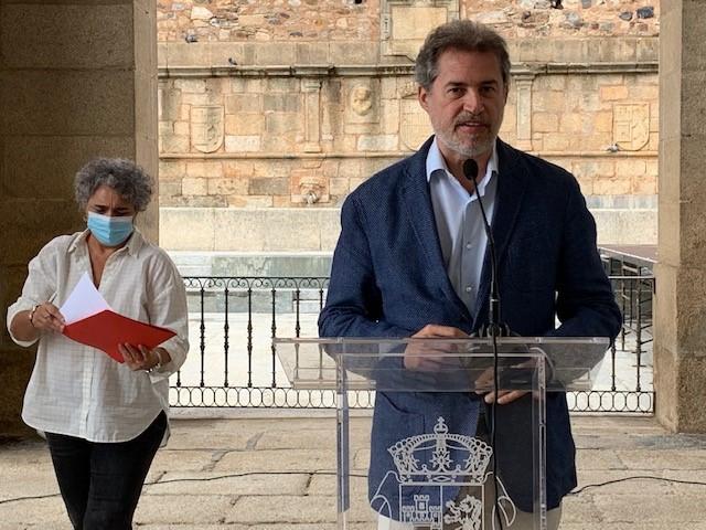 Cáceres será la primera ciudad española en contar con un servicio de entrega y seguimiento farmacológico a usuarios del Servicio de Ayuda a Domicilio