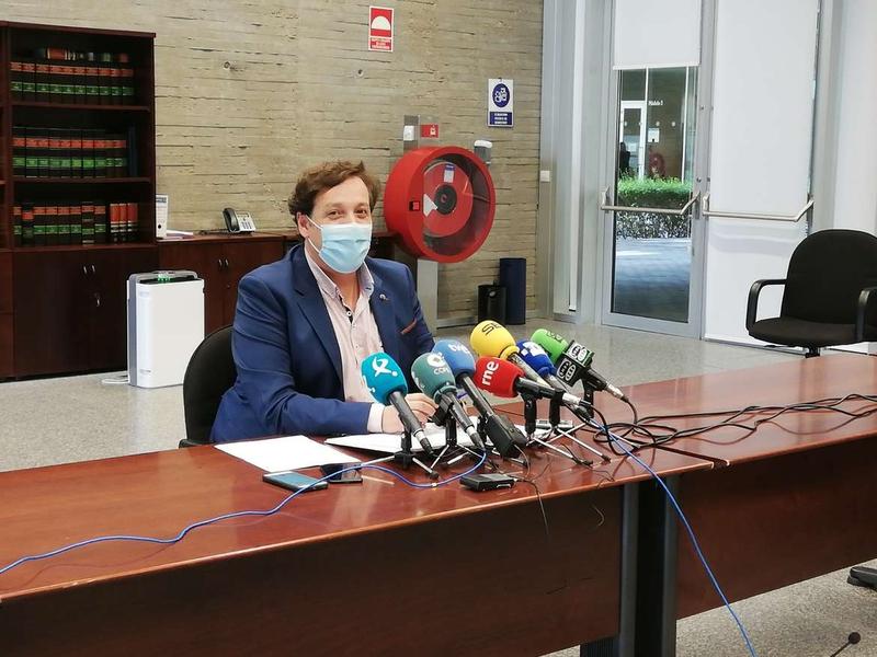 La Junta no permitirá la entrada sin mascarilla a las dos menores que sus padres insisten en llevarla al CEIP Alba Plata de Cáceres sin ella