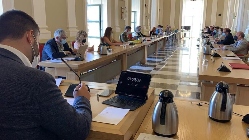 Ratificada en el pleno la subida de los impuestos de IBI y Circulación con los votos a favor del PSOE, Unidas Podemos, y del concejal Amores