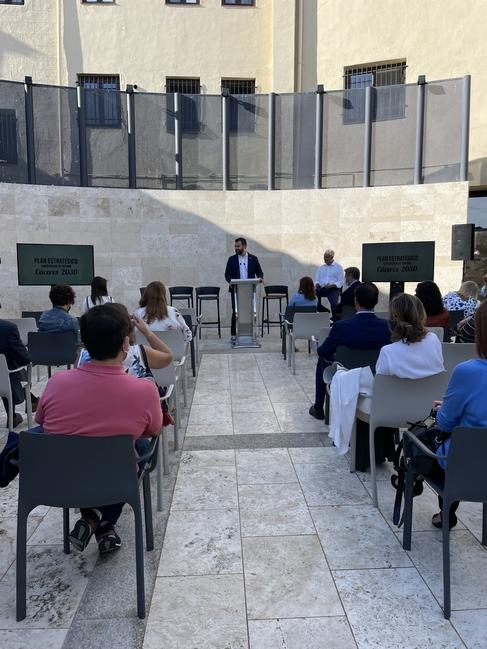 El Ayuntamiento cacereño presenta el Plan Estratégico de Turismo 2030, con el que pretende aumentar las pernoctaciones y el gasto medio del visitante
