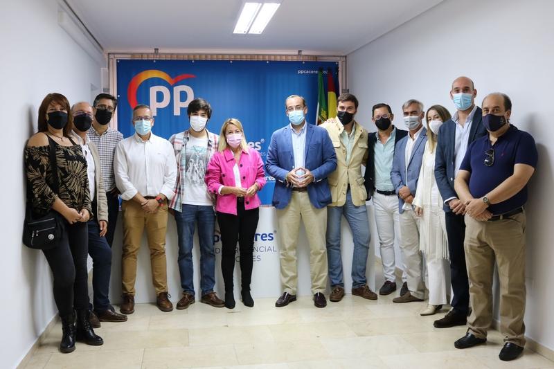 Rafael Mateos presenta su candidatura a la presidencia local del PP en Cáceres con la vista puesta en la Alcaldía de la ciudad para 2023
