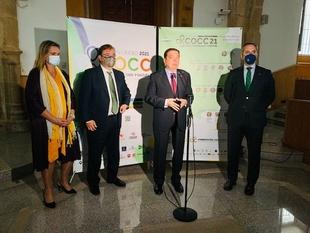 El ministro de Agricultura defiende en Cáceres la caza y asegura que si no existiera habría que inventarla